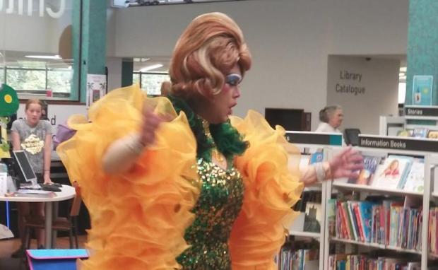 Drag Queen Mama G twerking infront of children as young as three